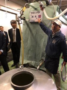 【写真】花の舞酒造株式会社での醸造工程説明の様子